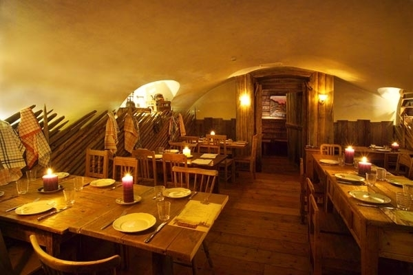 Restaurant savotta holzf ller finnland incentive for Innendekoration restaurant
